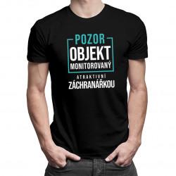 Objekt monitorovaný atraktivní záchranářkou - pánské tričko s potiskem