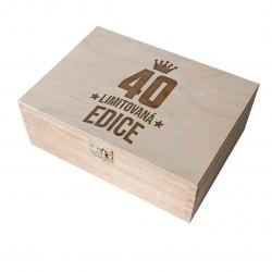 40 let - limitovaná edice - dřevěná krabička s gravírováním